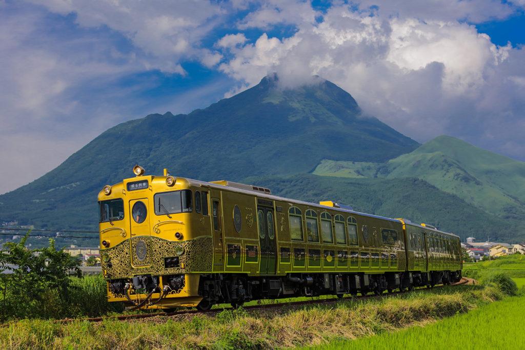 或る列車 外観 走行風景
